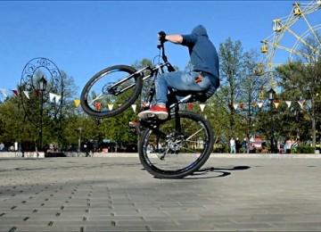 Как ездить на заднем колесе на велосипеде: способы езды