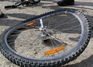 Как убрать восьмерку на колесе велосипеда – причины, как исправить