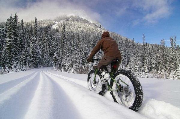 фэтбайк на снегу