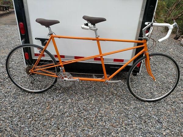 особенности конструкции велосипеда для двоих
