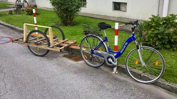велосипедный прицеп из дерева