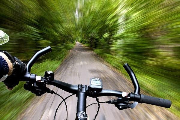 высокая скорость на велосипеде