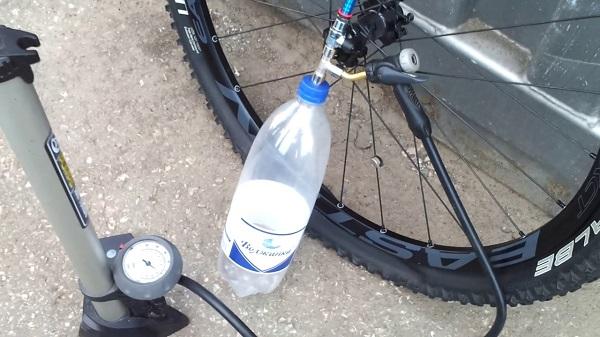 безнасосный способ накачивания велоколеса