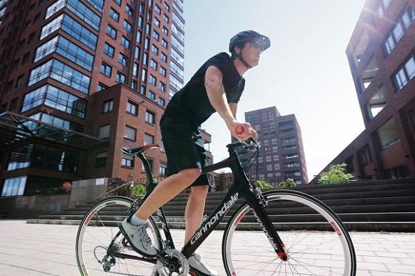 foto-velosipeda-s-hozyainom