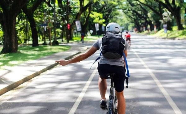 поворот велосипедиста
