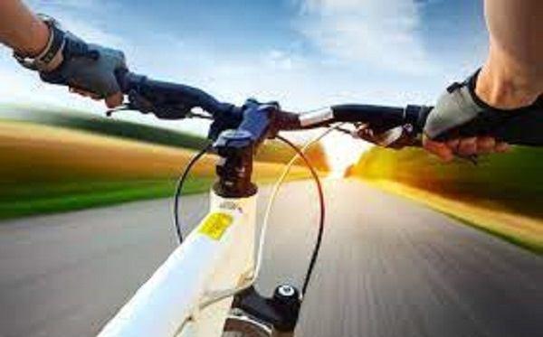средняя скорост велосипедиста по шоссе